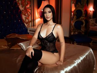 Profile picture of MiaSimone